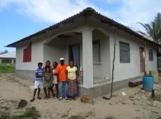 Stavba a rekonštrukcia domov pre chudobné rodiny 1