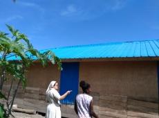 Clautilde - Oprava strechy po cyklóne