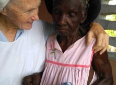 Sestra Natália s chorou ženou